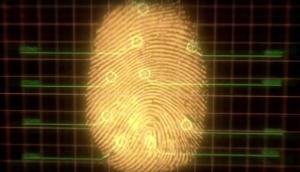 Uit de reclame van ING: inloggen met je vingerafdruk.