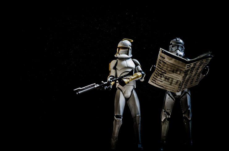 krant star wars straatverkopers stormtroopers