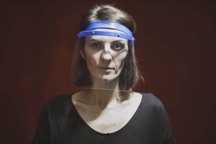 coronavirus masker vrouw vitale beroepen